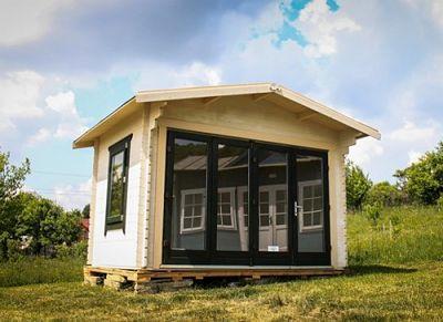 chalet abri maison vente en ligne chalets en bois livr s en kit. Black Bedroom Furniture Sets. Home Design Ideas